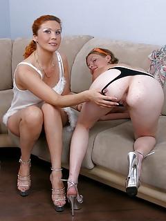 Lesbian Porn Pics