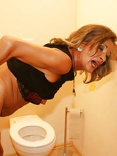 Toilet Porn Pics